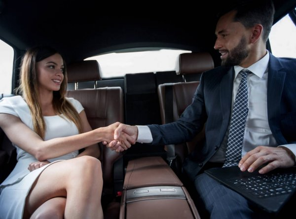 Limo service in Middlebury CT
